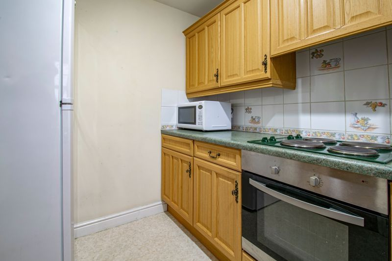 2 bed house for sale in Oakland Grove 6