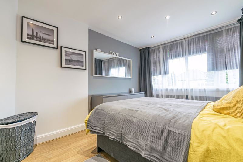 3 bed house for sale in Royal Oak Road 8