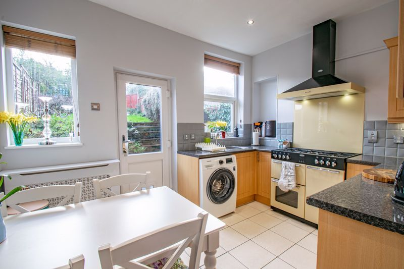 2 bed house for sale in Highfield Road 4