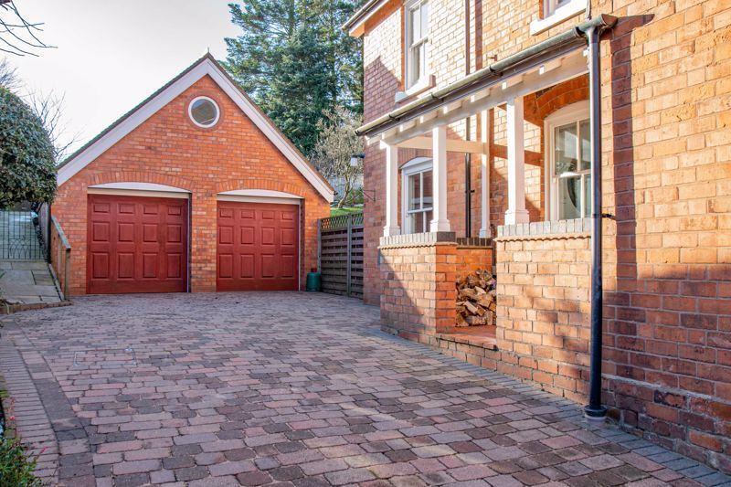 4 bed house for sale in Dodford Road 2