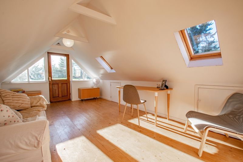 4 bed house for sale in Dodford Road  - Property Image 12