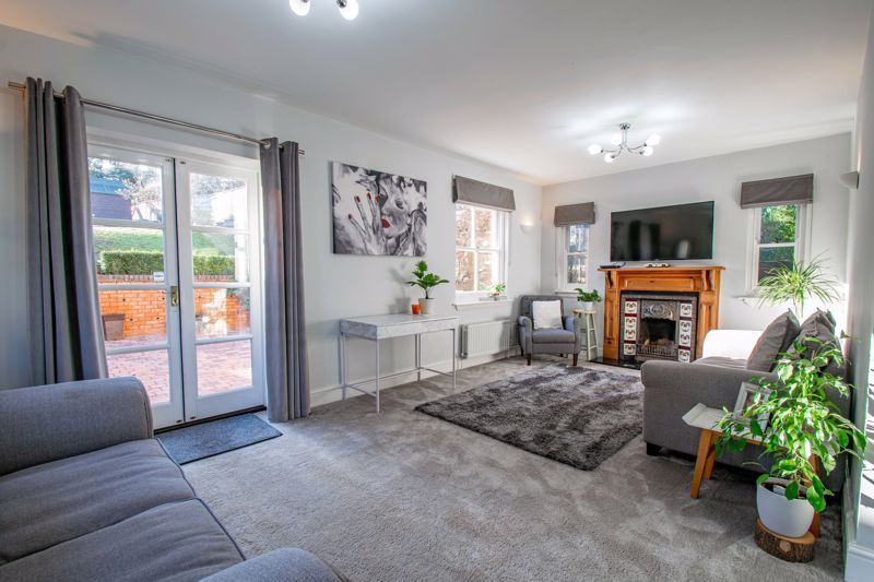 4 bed house for sale in Dodford Road  - Property Image 3