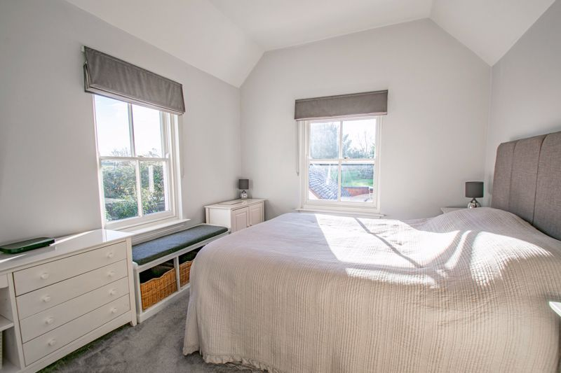 4 bed house for sale in Dodford Road  - Property Image 8