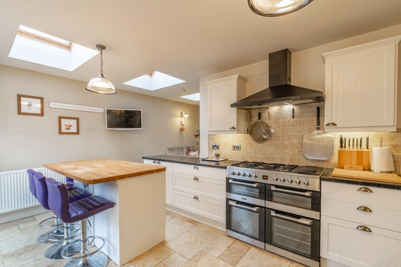 4 bed house for sale in Birchfield Road 3