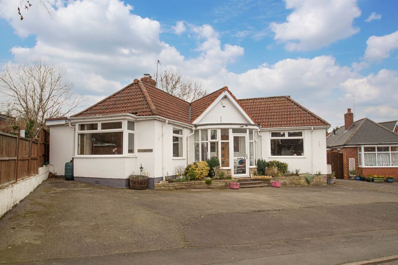4 bed bungalow for sale in Castle Road  - Property Image 1