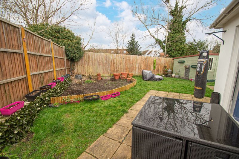 4 bed bungalow for sale in Castle Road  - Property Image 14