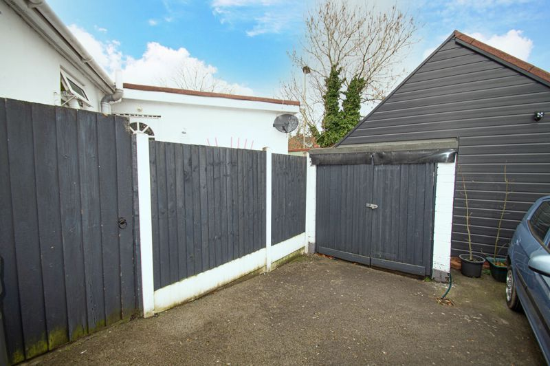 4 bed bungalow for sale in Castle Road 15