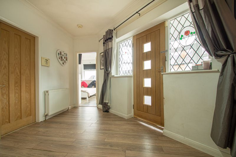 4 bed bungalow for sale in Castle Road  - Property Image 16