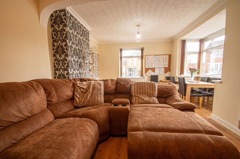 4 bed bungalow for sale in Castle Road 17
