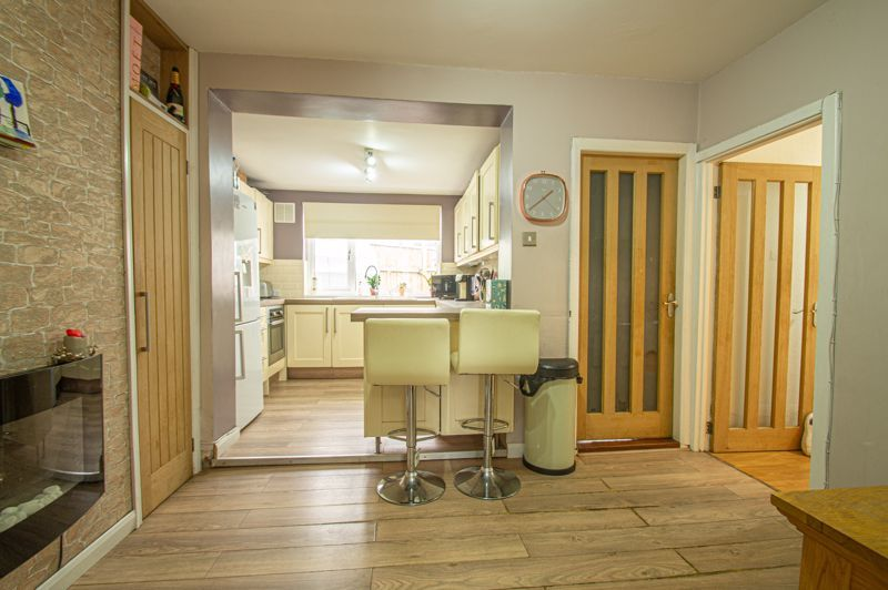4 bed bungalow for sale in Castle Road 5
