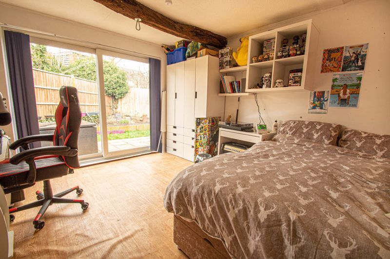 4 bed bungalow for sale in Castle Road  - Property Image 8