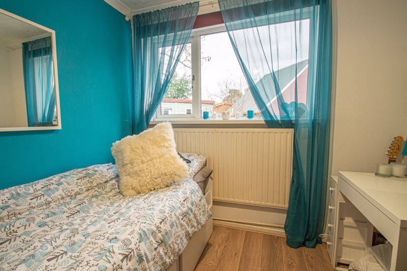 4 bed bungalow for sale in Castle Road 9