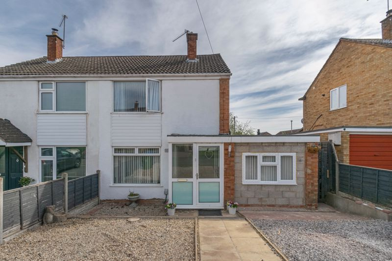 3 bed house for sale in Eden Close 1