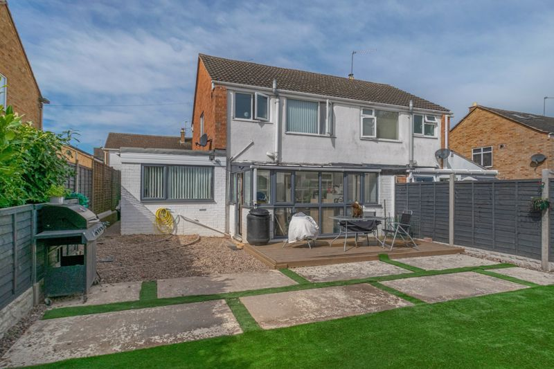 3 bed house for sale in Eden Close 13
