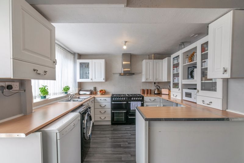 3 bed house for sale in Eden Close 3