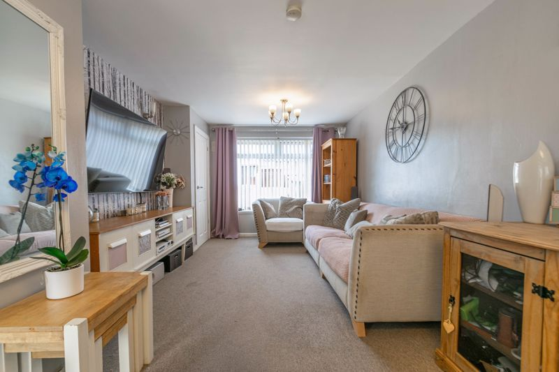 3 bed house for sale in Eden Close 4