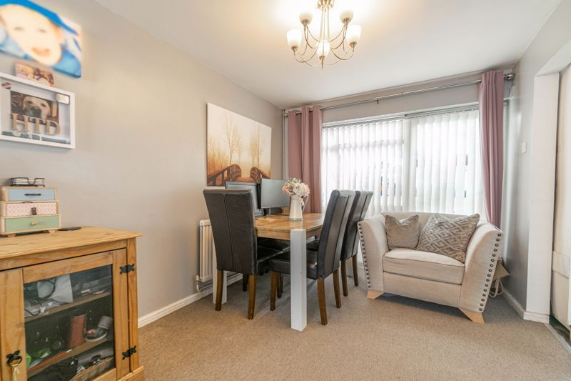 3 bed house for sale in Eden Close 6