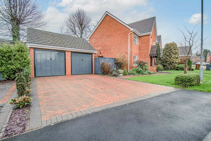 4 bed house for sale in Green Bower Drive 14