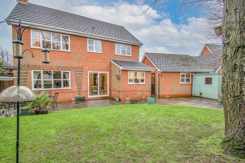 4 bed house for sale in Green Bower Drive 15