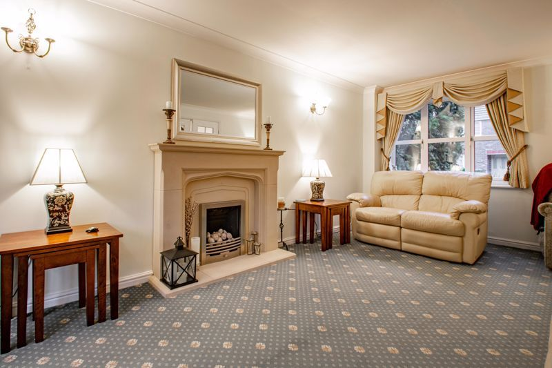 4 bed house for sale in Green Bower Drive 17