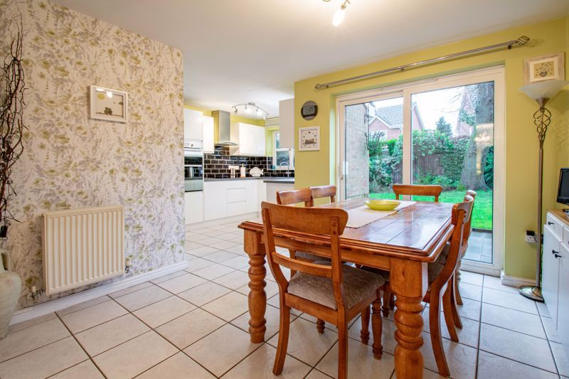 4 bed house for sale in Green Bower Drive 5