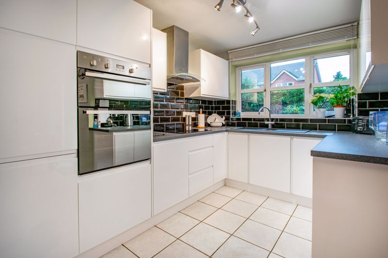 4 bed house for sale in Green Bower Drive 6