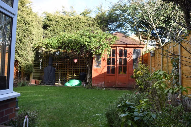 3 bed house to rent in Salcombe Drive 14