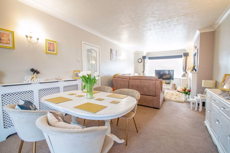 3 bed house for sale in Lansdowne Road  - Property Image 5