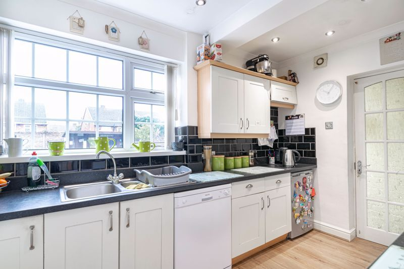 3 bed house for sale in Lansdowne Road 7