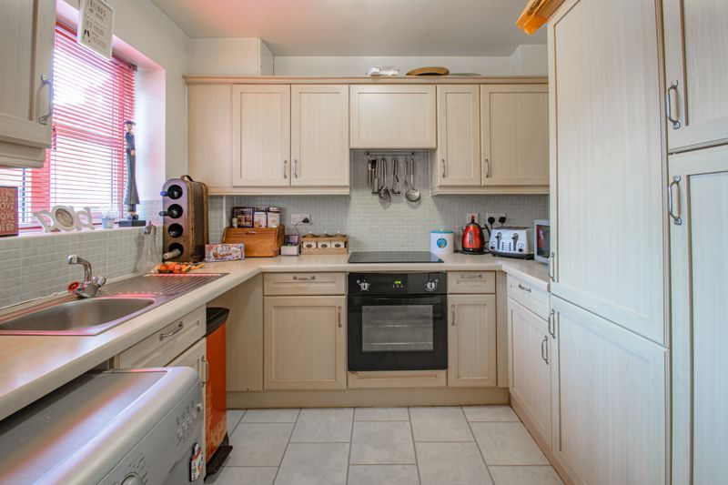 2 bed house for sale in Appletrees Crescent  - Property Image 4