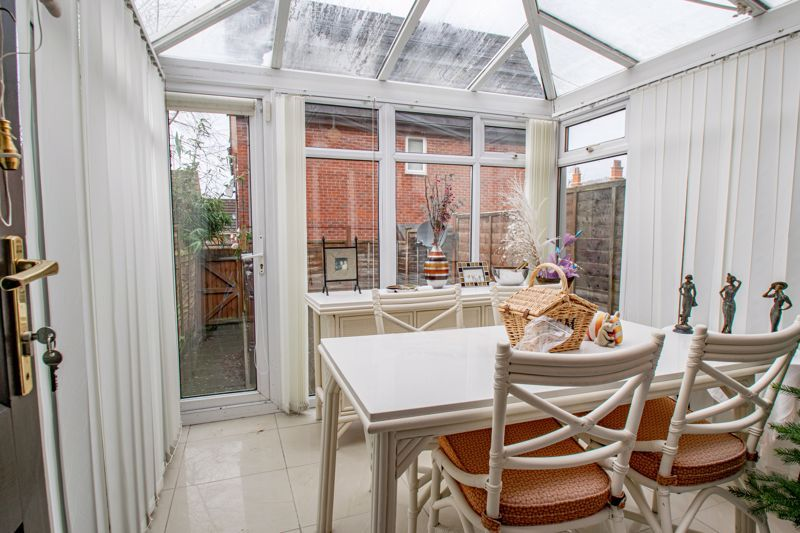 2 bed house for sale in Appletrees Crescent 6