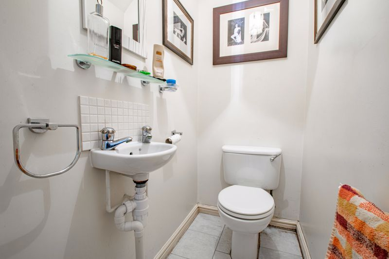 2 bed house for sale in Appletrees Crescent 7