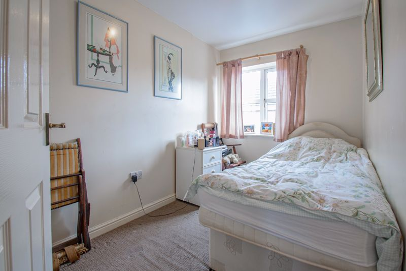 2 bed house for sale in Appletrees Crescent 9