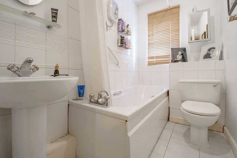 2 bed house for sale in Appletrees Crescent  - Property Image 10