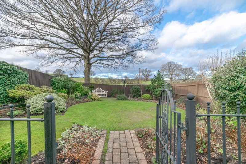 4 bed house for sale in Parklands Close  - Property Image 14