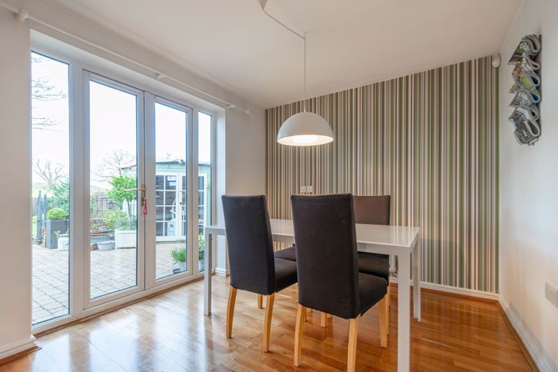4 bed house for sale in Parklands Close 6
