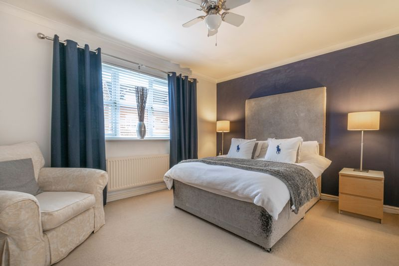 4 bed house for sale in Parklands Close  - Property Image 9