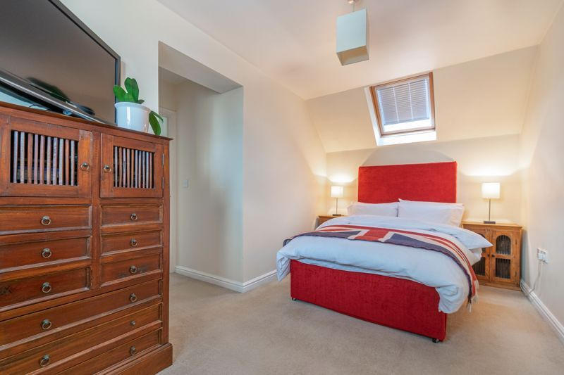 4 bed house for sale in Parklands Close  - Property Image 10