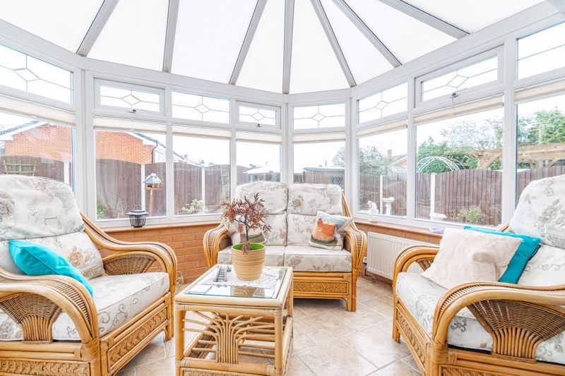 2 bed bungalow for sale in Glenelg Drive 4