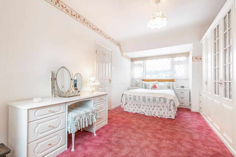2 bed bungalow for sale in Glenelg Drive 8
