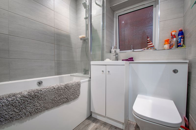 2 bed house for sale in Oakland Grove  - Property Image 11