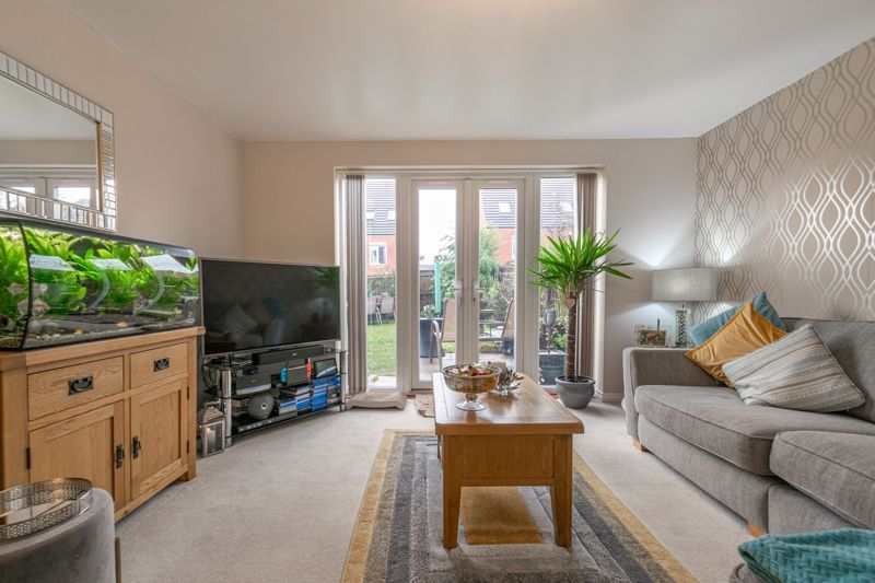 3 bed house for sale in Kemble Street  - Property Image 2