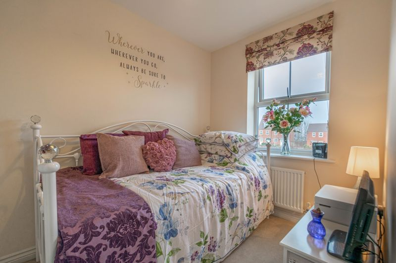 3 bed house for sale in Kemble Street  - Property Image 11