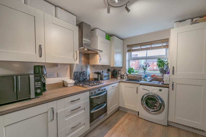 3 bed house for sale in Kemble Street  - Property Image 4