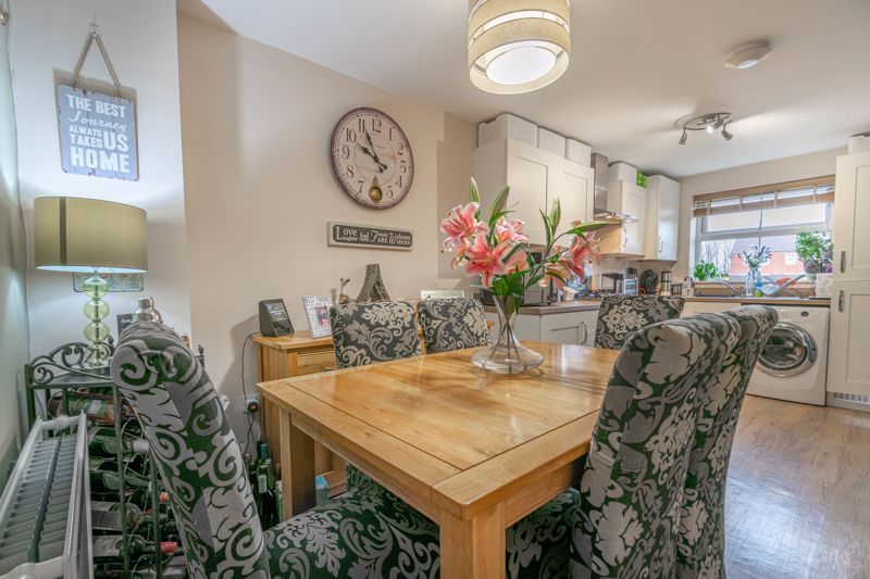 3 bed house for sale in Kemble Street  - Property Image 6
