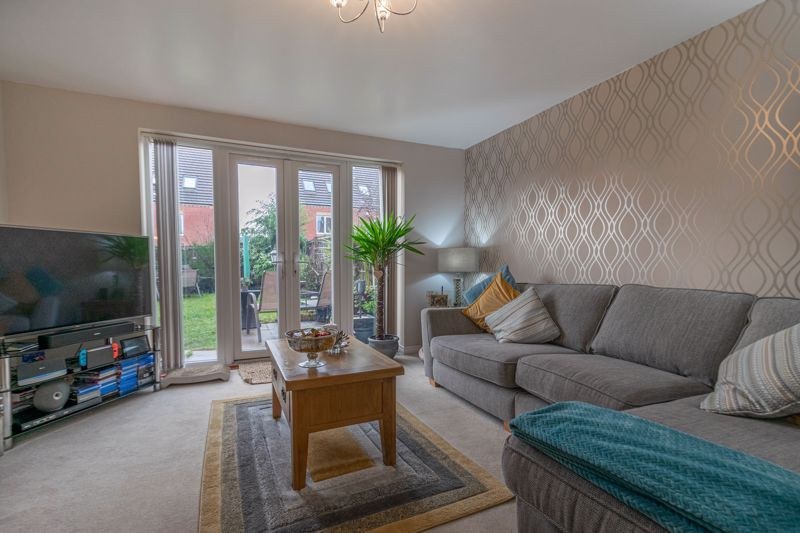 3 bed house for sale in Kemble Street 7