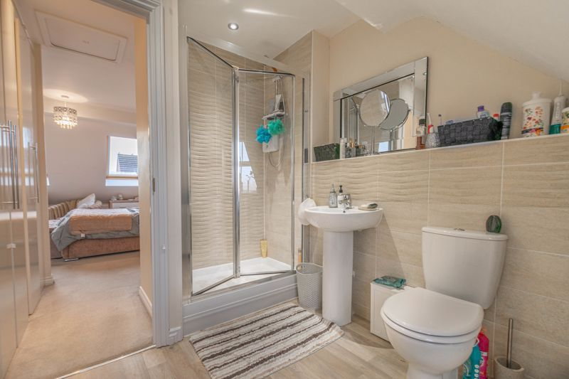 3 bed house for sale in Kemble Street  - Property Image 9