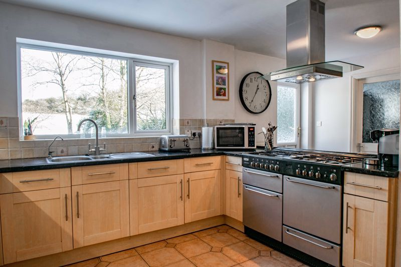 5 bed house for sale in Hunters Ride  - Property Image 7