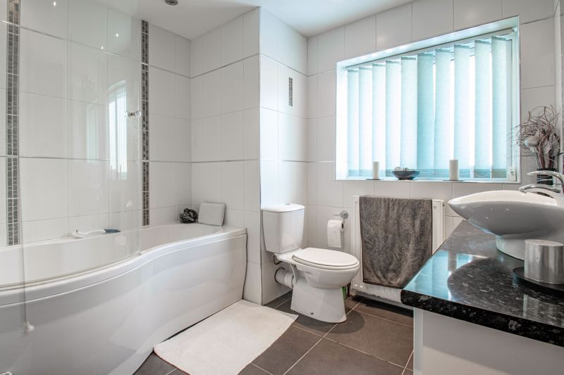 5 bed house for sale in Hunters Ride  - Property Image 10