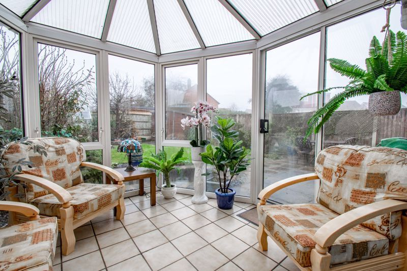 4 bed house for sale in Harrow Close 4